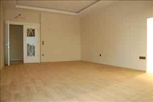 خرید آپارتمان سه خوابه در آلانیا محمودلار با فاصله 600 متری از دریا