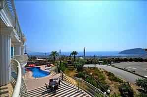 آلانیا فروش ویلای 4 خوابه با منظره دریا و طبیعت